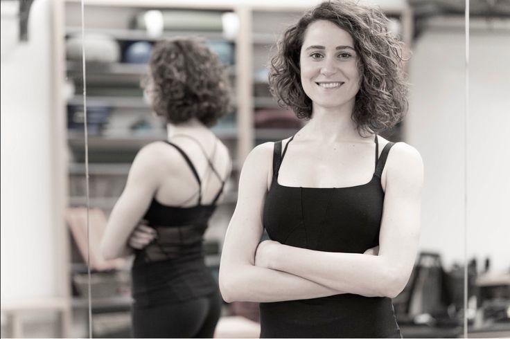 Flex By Taxim Pilates eğitmenlerinden #DeryaÇam, 15 yıl boyunca Milli Takım seviyesinde profesyonel basketbol oyunculuğu yaptı. Bilgi Universitesi'nde Uluslararası Finans okudu. Profesyonel hayatı sırasında tanıştığı Pilates'i hayatının merkezine koymaya ve Pilates eğitmeni olmaya karar verdi. Stott Pilates eğitimli Derya Çam aynı zamanda 5 senedir Yunan dansları eğitmenliği yapıyor.