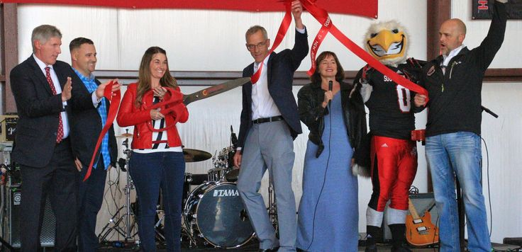 By Rachelle Hughes Iron County Today CEDAR CITY–Southern Utah University introduced its new fleet of 17 red and white aircraft to the Southern Utah community on Saturday at the Red Sky Rally, located at SUU's three newly acquired hangars at the Cedar City Airport. The 10 new Cirrus SR20 fixed wing planes and seven Robinson …