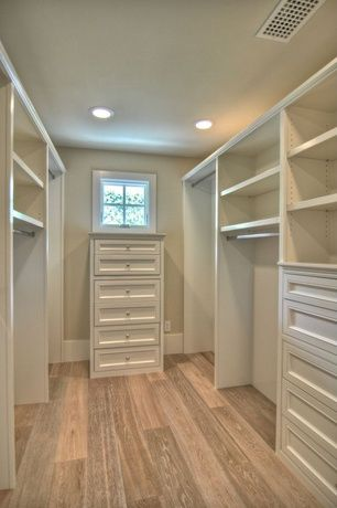 Traditional Closet with Natural floors by usfloors 7.5-in w prefinished oak locking hardwood flooring (white wash)