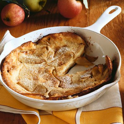 Fluffy Apple Cinnamon Pancake.  Made 2.12.12 for breakfast.  Yummm....: Apples Pancakes, Apples Cinnamon, Apples Dutch, Apples Recipes, Dutch Baby, Baking Apples, Cinnamon Pancakes, Cooking Recipes, Apples Recipies