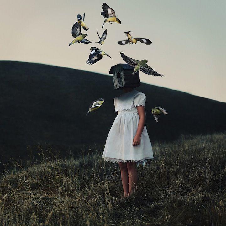 O surrealismo dark das fotografias do Alex Stodardd é mesmo hipnotizante. As narrativas das imagens são como gritos abafados emsonhos, em alguns casos pesadelos, ou devaneios sutis. Tudomuito intensos.A estética é tão cuidadosa eminuciosamente preparada, que a mente da gente confunde o que é belo com o que é completamente esquisito. Mas não tem jeito …