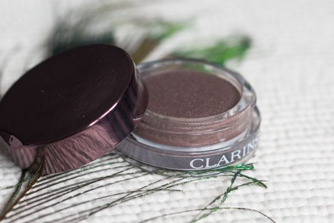 Мерцающие тени для век Clarins Ombre Iridescente Cream-to-Powder Eyeshadow Long-Lasting в оттенкке 07 silver plum