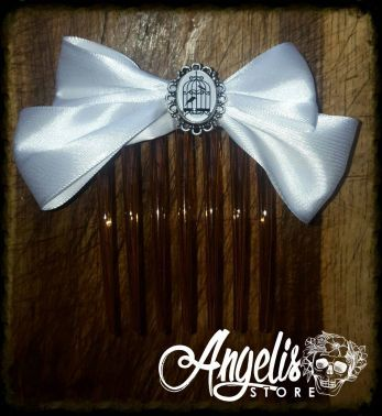 Simple White Satin with Birdcage Cameo