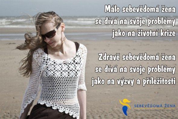 Málo sebevědomá žena se dívá...