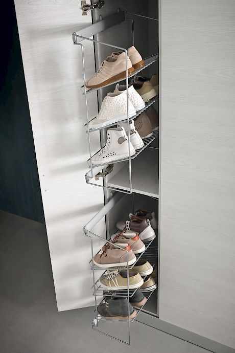 L03 | Compab _ Cupboard shoes