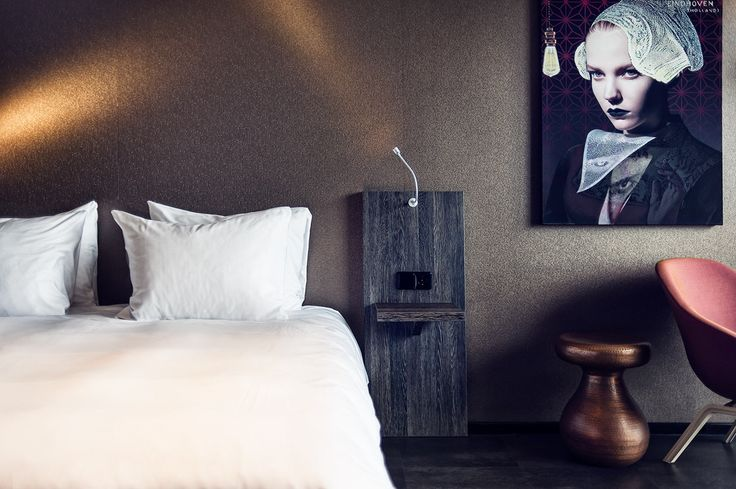 Spacious and luxurious room with a king size bed and XL Jacuzzi in the room.