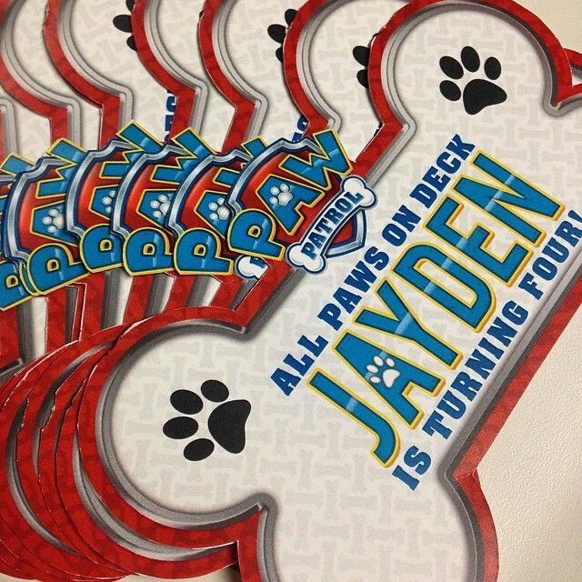 Genial tarjeta para fiesta de la Patrulla Canina.