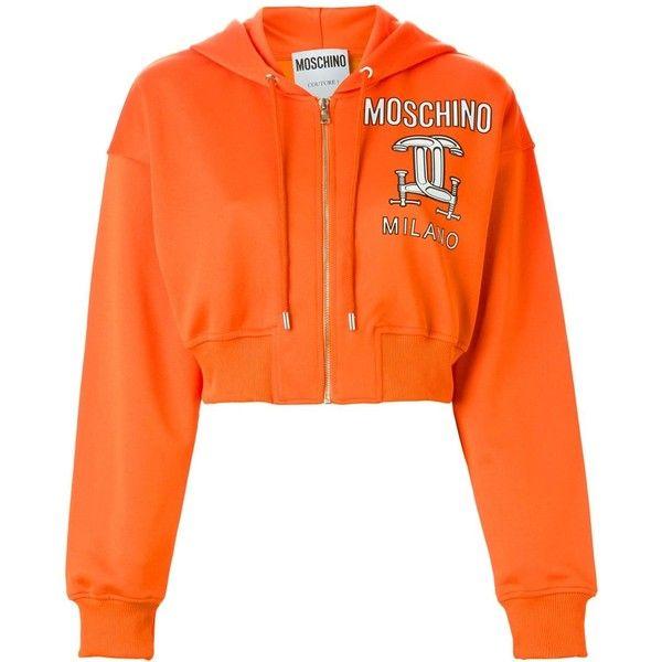 Moschino interlocking C-clamp hooded sweatshirt (€435) ❤ liked on Polyvore featuring tops, hoodies, hooded pullover, cropped hoodie, zip front crop top, zip front hooded sweatshirt and sweatshirts hoodies