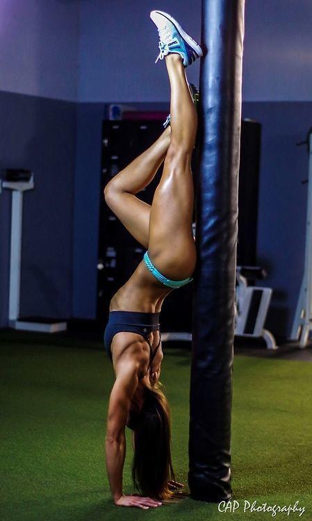 Female Form #StrongIsBeautiful #Motivation #WomenLift2 Stephanie Buckland