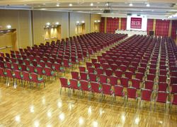 Conference Hall Verdi - Located on the ground floor and with specific access, the room covers 600 square metres and can hold up to more than 600 people. - Best Western Premier BHR Treviso Hotel