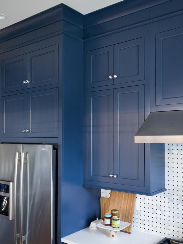 Kitchen Cabinet And Color Sherwin Williams Indigo Batik Sw 7602 Kitchen Pictures From Hgtv Navy Blue Kitchen Cabinets Blue Kitchen Cabinets Blue Cabinets