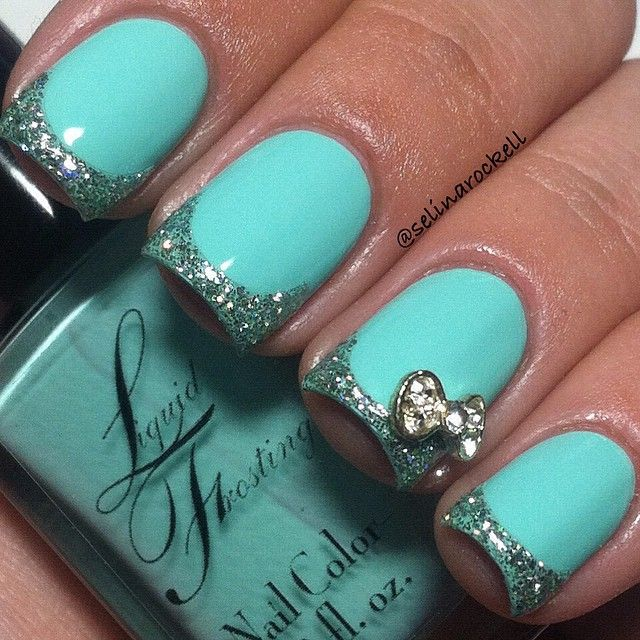 Light blue nails with bow - Completely adorable - Nail Art - Bling
