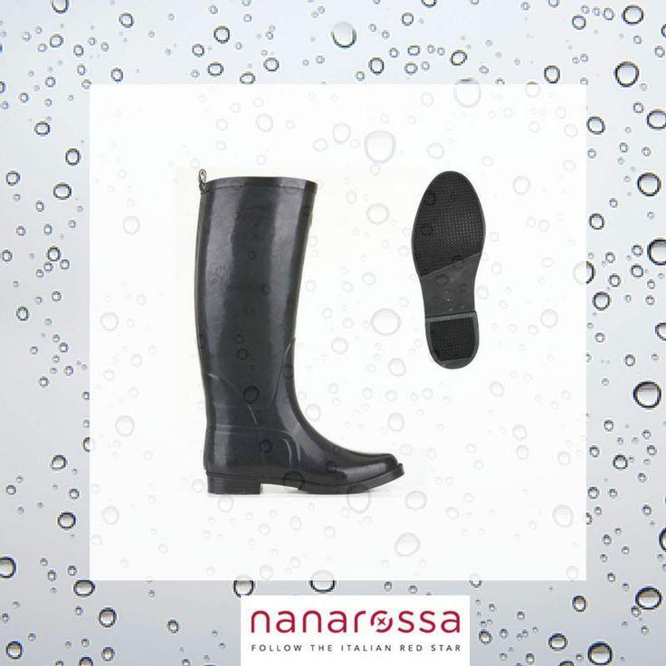 """Le previsioni del tempo per i prossimi giorni sono pessime☔? Con gli stivali da pioggia Superga il """"problema pioggia"""" è già archiviato✔! Scopri qui come: http://bit.ly/2nlkl3I"""