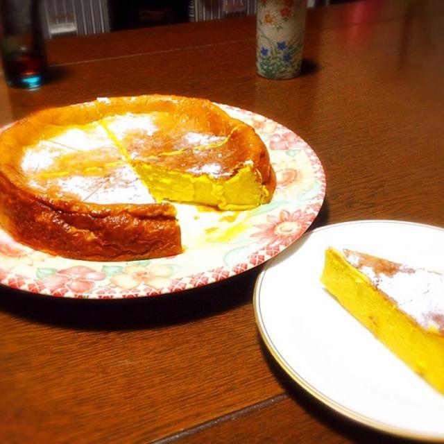家族や友達に大好評な濃厚パンプキンチーズケーキ‼️ めっちゃしっとりで美味しかったです… - 102件のもぐもぐ - 濃厚パンプキンチーズケーキ by ayamen