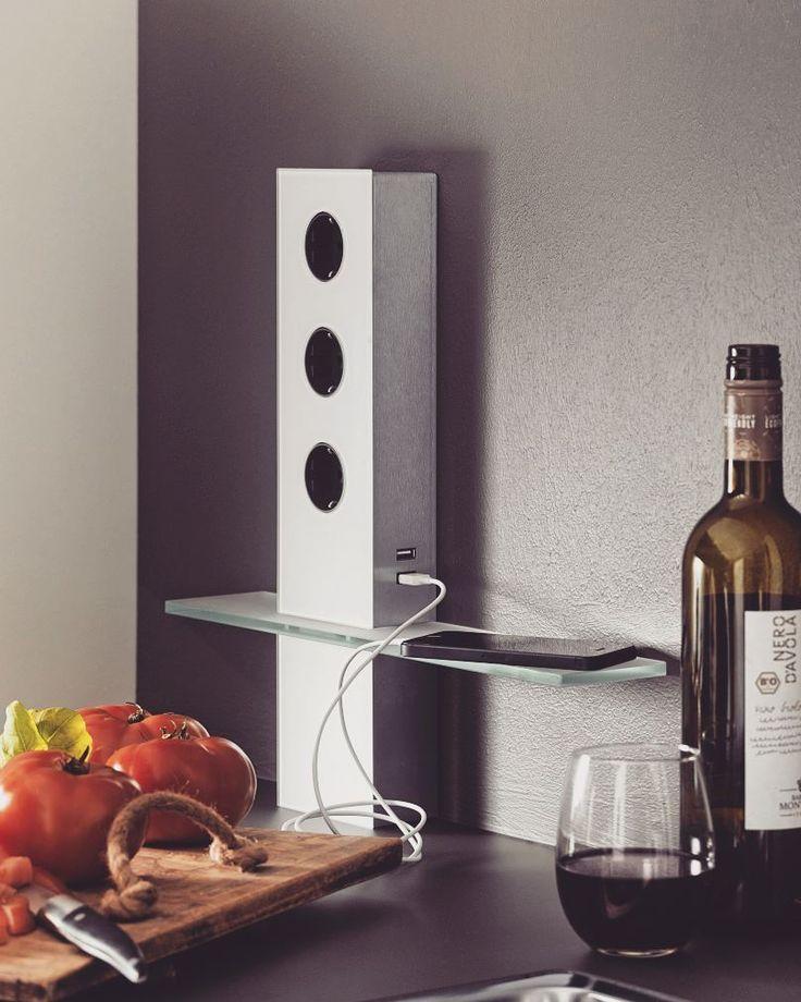 Jeśli podczas gotowania nie możecie obejść się bez ulubionej muzyki to idealne rozwiązanie dla Was!  #bogaccypl #kuchnia #kuchnie #inspiracje #inspiracja #inspiration #wnętrza #mojemieszkanie #mojdom #aranżacjawnętrz #meblekuchenne #mojakuchnia #meble #pomysł #pieknakuchnia #kitchen #kitcheninspo #interiordesign #decor #meblenawymiar #nowakuchnia #remont #beautiful #vsco #vscocam #details #vscopoland #beautiful