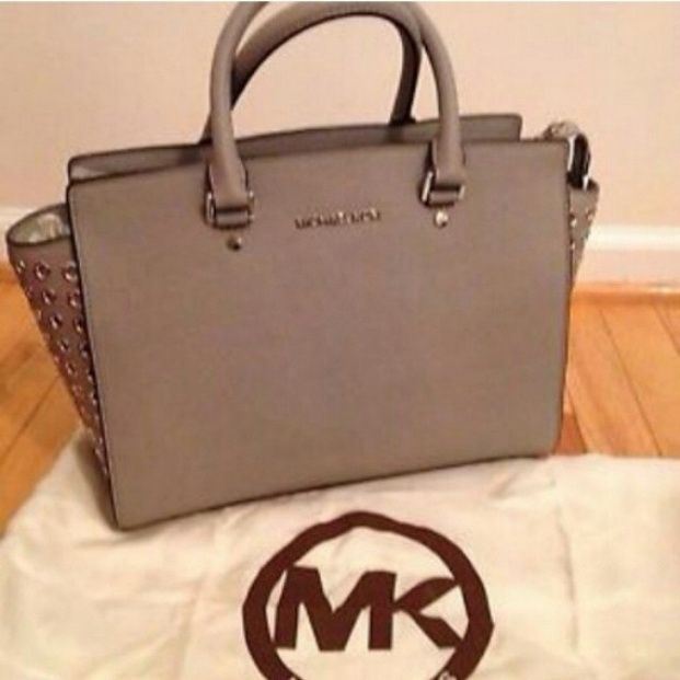 Michael Kors Handbags Outlet Clearance