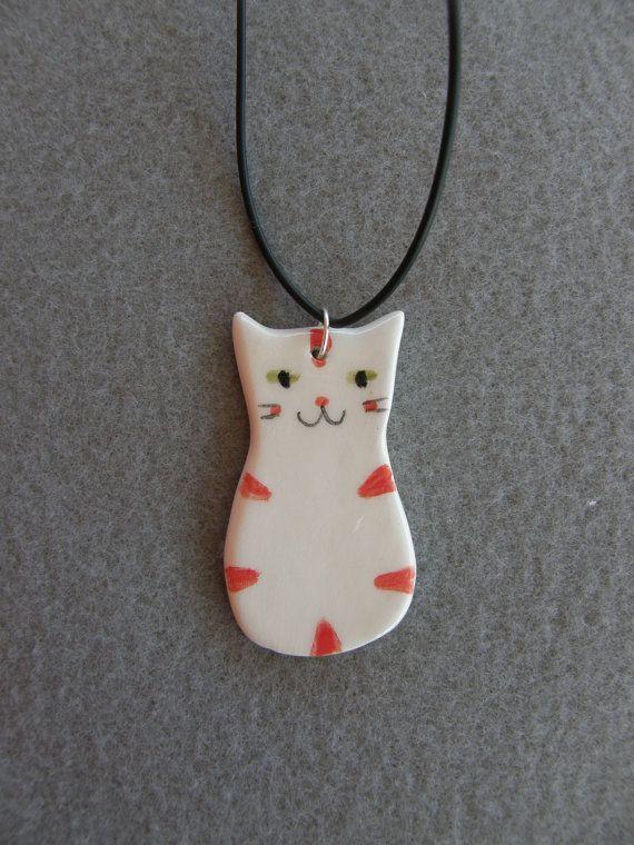 Colgante de cerámica gato, gato blanco, rojo, atigrado, con collar negro, cerámica, gato colgante, joyería de los niños, hecho a mano, joyería de gato, Kitty