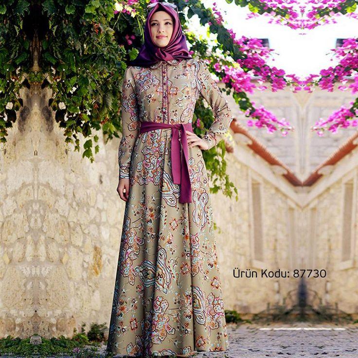 Osmanlı motiflerini ve çiçek desenlerini üzerinde taşıyan tatlı mı tatlı bir elbise