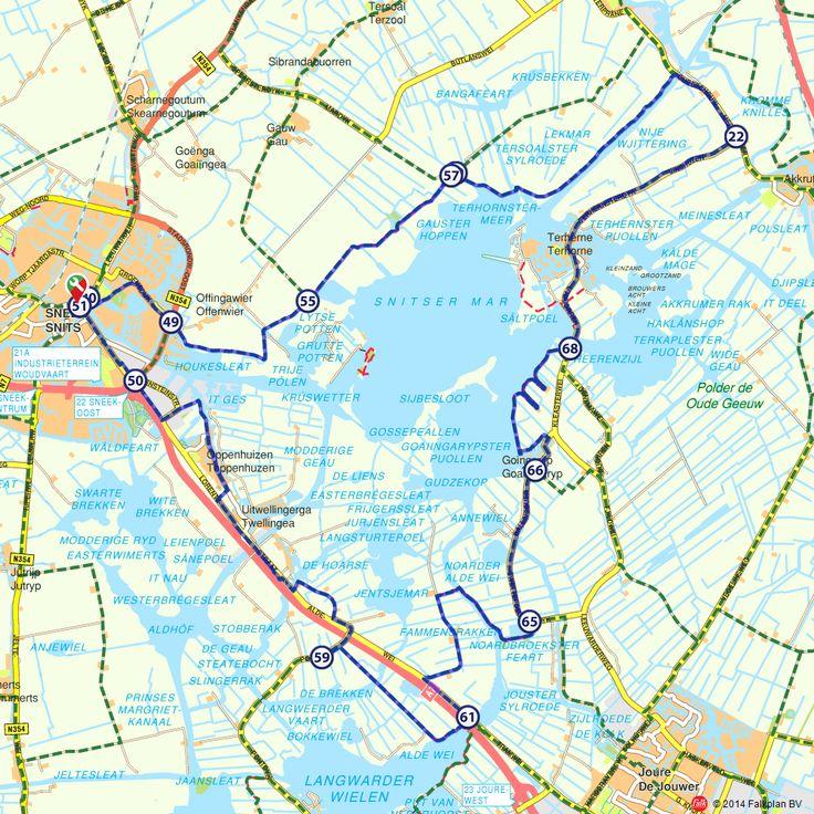 Fietsroute: Om het Sneekermeer (http://www.route.nl/fietsroutes/122267/Om-het-Sneekermeer/)