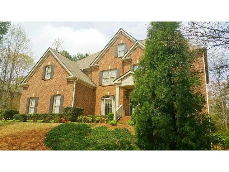 WOW! BRICK trad. Well MAINTAINED w/NEW CARPET! Master W/SITTING AREA