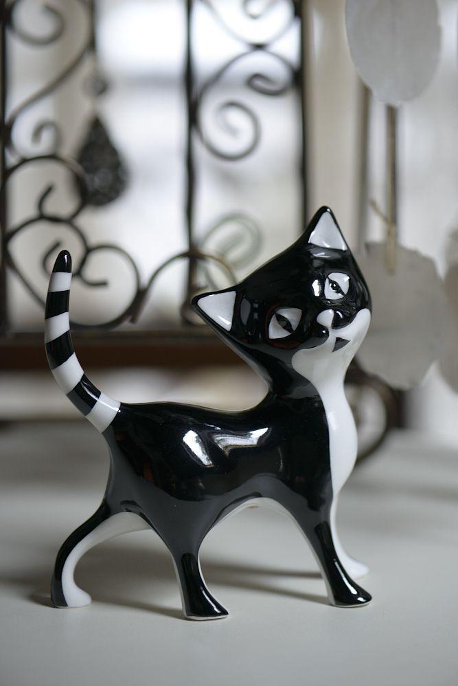 Kot Filemon - figurka porcelanowa, Ćmielów / Sweet Kitten - porcelain figurine. Cmielow, Poland