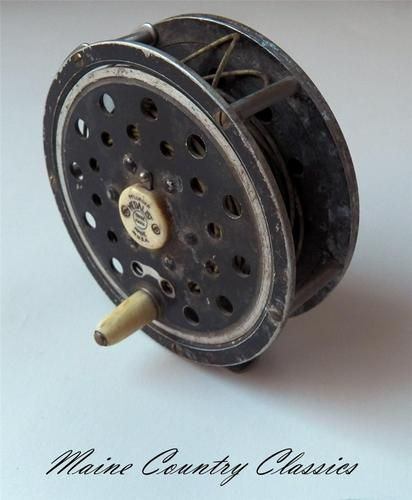 Vintage pflueger medalist no 1498 fly fishing reel akron for Fly fishing reels ebay