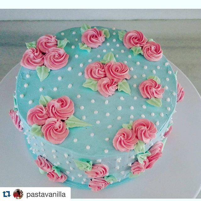 vintage shabby chic pastel cake                                                                                                                                                      More    Cake decorating ideas www.instagram.com