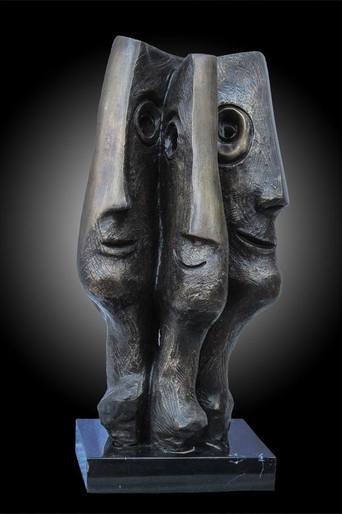Artist : Federico Rivero / Title : Amigos / Dimensions : 43 x 23 x 17 cms / Technique : Bronze / Price: MXN $17,500 / Status : Available / Year : 2016