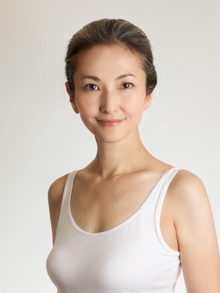 Mayuko Miyahara Gray Hair Style