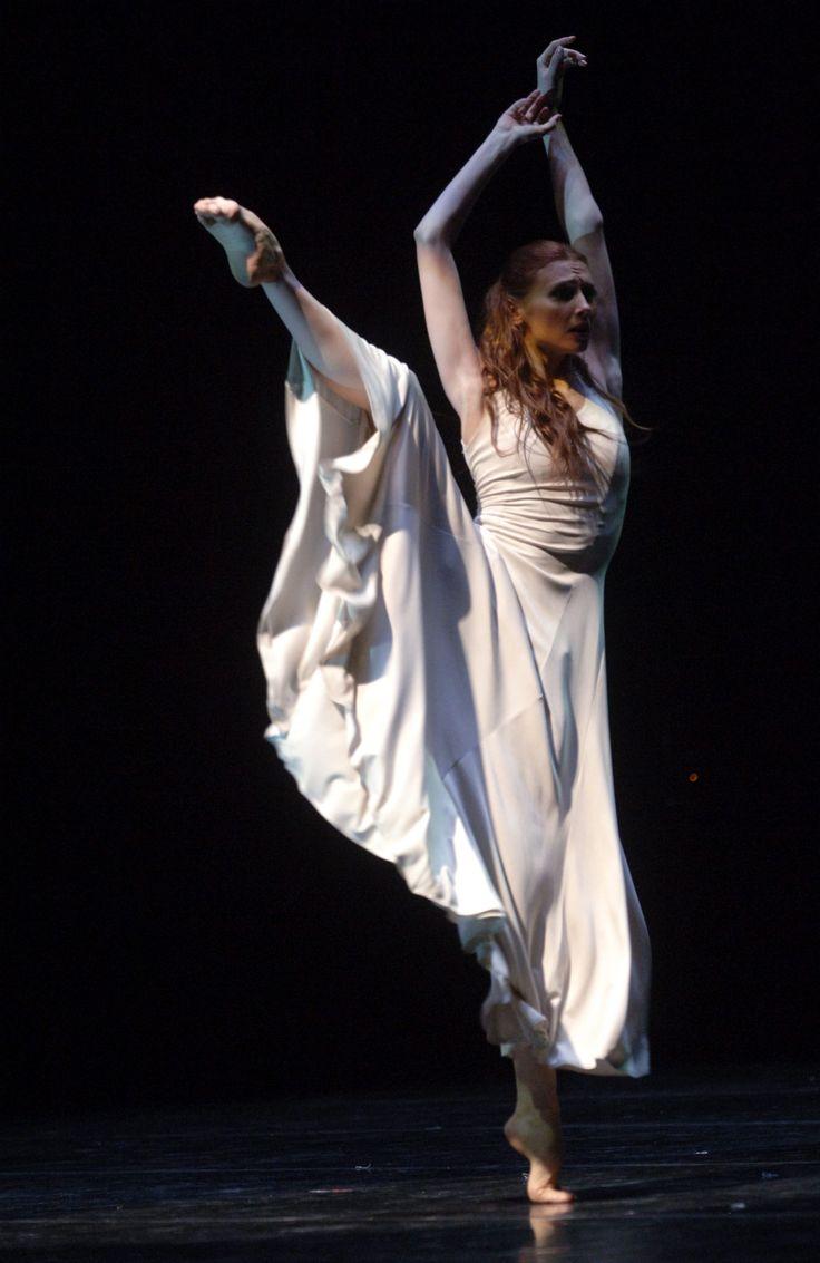 """<<Svetlana Zakharova (Bolshoi Ballet) in Motoko Hirayama´s """"Revelation"""", music by John Williams (""""Schindler's List"""" soundtrack)>>"""