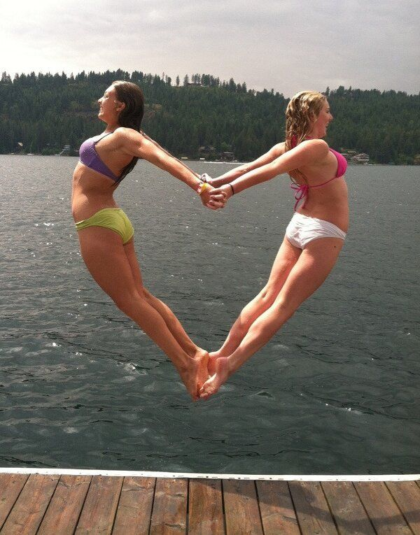 Jumping hart: Perfect Time Photo, Bff Pictures, Wedding Engagement Photo, Idea, Funny Bestfriends Pictures, Heart Jumping, Funny Pictures, Funny Stuff, Perfect Moments