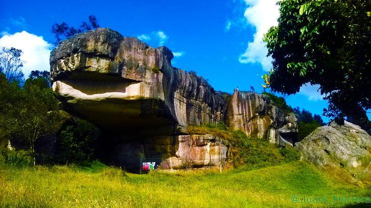 La piedra del Sapo, en las piedras del Tunjo. En Facatativá, Cundinamarca, Colombia.