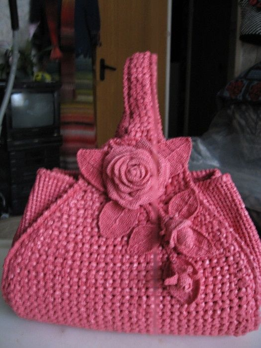 Gorgeous crocheted bag!.