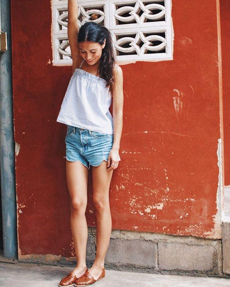 "5,915 Me gusta, 17 comentarios - Melissa Villarreal (@melissavillarreal) en Instagram: ""Holidays with my @pulaabrand sandals! Tap for details!  #VillaHensonTrip #thailand #bangkok"""