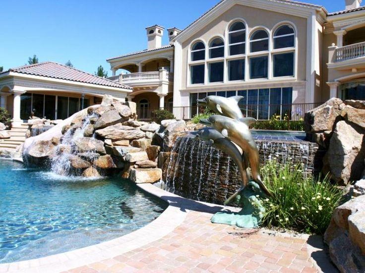 Bachlauf neben dem Pool bauen