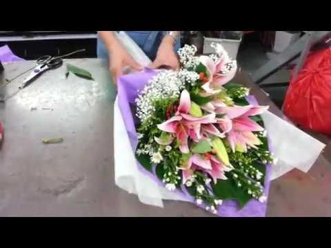How to Make Roses Hand Bouquet | 21 Roses | Florist in Singapore - YouTube