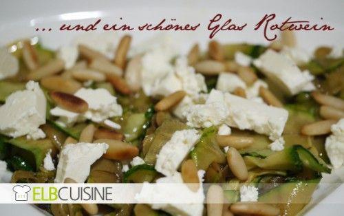 ELBCUISINE - Einfache Antipasti: Zucchini mit Schafskäse und Pinienkernen <3