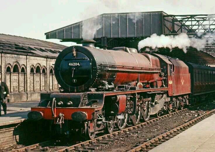 BR (LMS) Princess class 8P 4-6-2 No 46204 'Princess Louise'