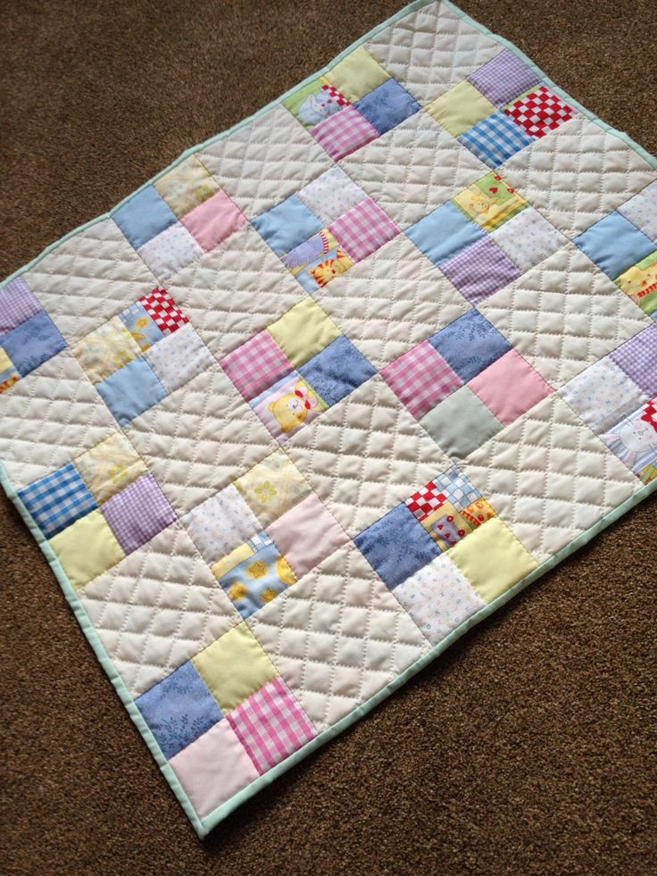 Baby pram/Moses basket quilt - hand quilted - stitch in the ditch and cross hatch quilting