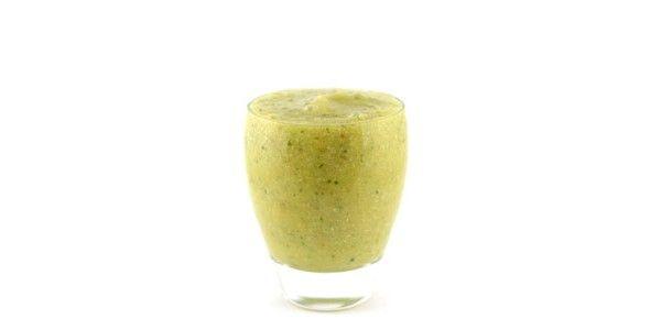 Bloemkool komkommer mango smoothie 200 gram bloemkool 1/2 komkommer 1 mango 2 medjool dadels 1 glas water