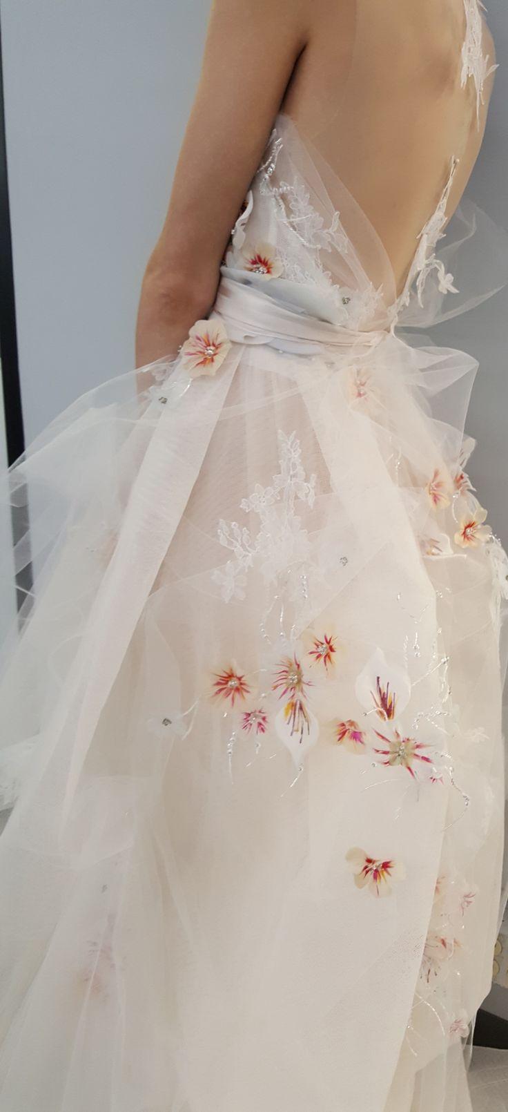 25 best ideas about monique lhuillier bridal on pinterest for Monique lhuillier wedding dress designers