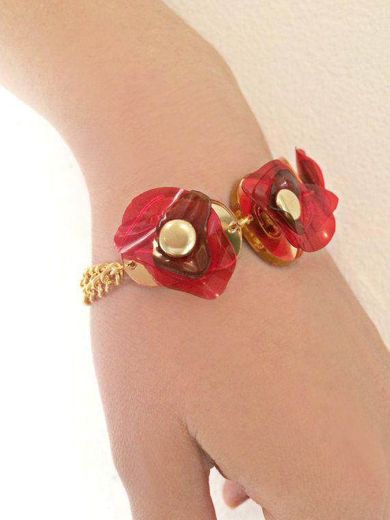 Bracciale in fiore oro, rosso braccialetto, bracciale catena Upcycled, fiore di bottiglia di plastica da ENNA