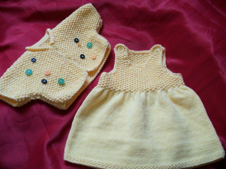 Modèle gratuit : robe layette à tricoter : explications gratuites à