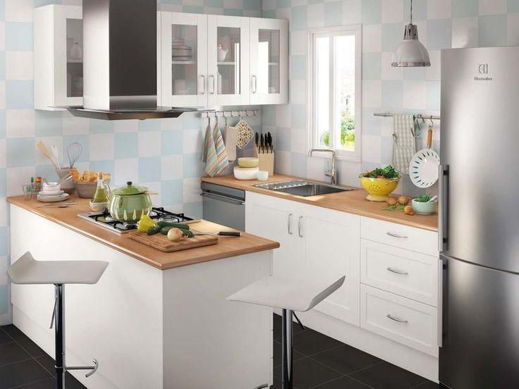 """En """"L"""", bajo la ventana, con una isla... Te contamos cómo planificar la cocina según el espacio que tengas disponible y su forma."""
