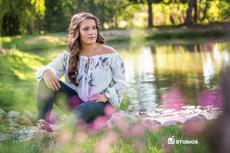 Wildflowers are a girl's best friend when it comes to senior photos!