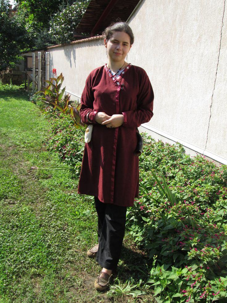 My try at a reconstruction of 10th century hungarian clothes- Follow the link for description