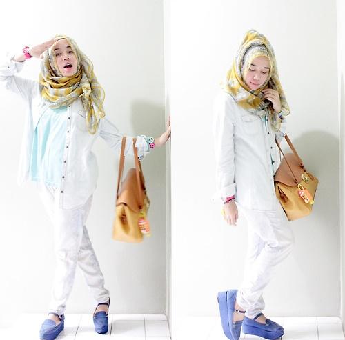 Happy Denim by Qonitah Al Jundiah - Hijab style
