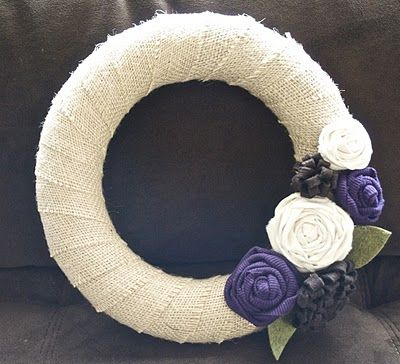 fall wreath: Burlap Wreaths, Group Crafts, Winter Colors, Flowers Colors, Flowers Wreaths, Fall Wreaths, Winter Wreaths, Fabrics Flowers, Crafty Ideas