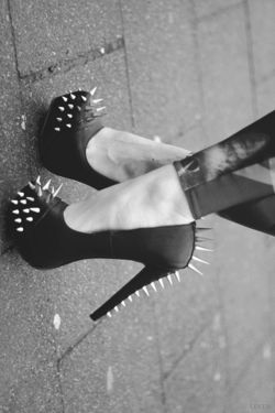 Gah! I wish my lifestyle allowed me more chances to wear heels like this!  Spike heels with extra spikes.