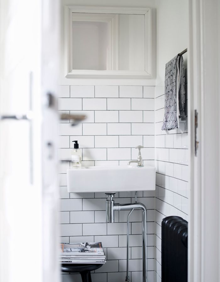 Black and white bathroom, photo by Patric Johansson for Elle Decoration